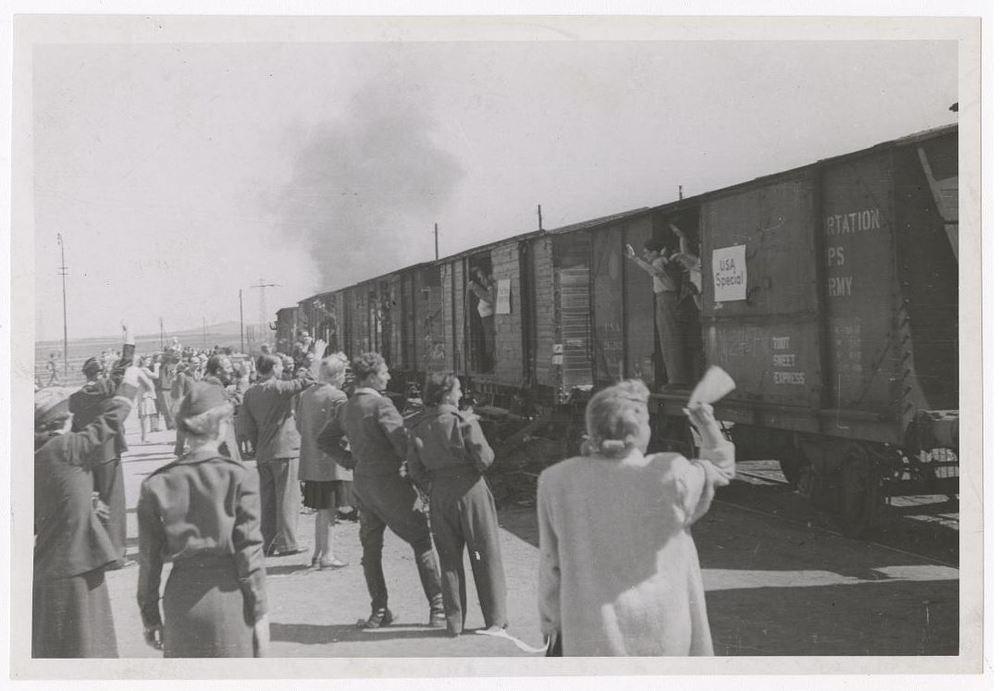 RG 294.5 - Folder 330 Stuttgart Collection - April 1946 -  Departure of DPs for the United States.JPG